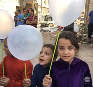 Initiative oecuménique et interreligieuse, la signature par les enfants syriens d'une pétition destinée à l'Union européenne et aux Nations-Unies est un appel au monde pour qu'advienne la paix en Syrie.