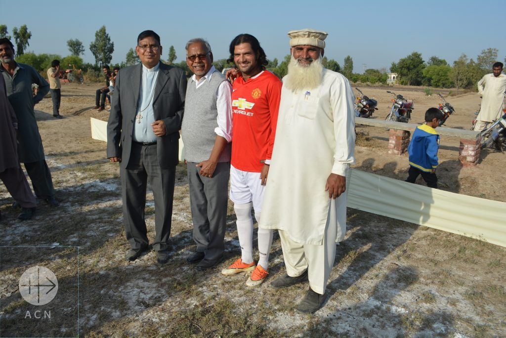 (From left to right) Bishop Joseph Arshad, Father Emmanuel Pervez, footballer Salim Bad and Sumundri Football Club Manager Mohammed Shafiq.